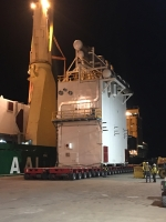 AAL Melbourne - Discharging 230mt HEX Box and 340mt Recti Box in Point Comfort, Texas