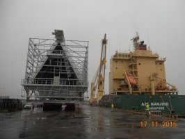 AAL Nanjing - Discharging ACC Unit (410MT) in Port Hedland, Australia
